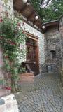 Oldtown玫瑰雕象门 免版税库存图片