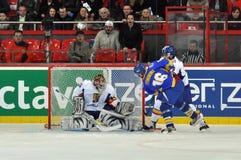 Oleg Timchenko делает цель Стоковая Фотография RF