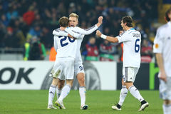 Oleh Gusev, Lukasz Teodorczyk e Aleksandar Dragovic celebranti scopo segnato, un giro della lega di europa dell'UEFA della second immagine stock