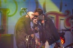 Oleh Sobchuk frontman av HIMMELrockbandet Arkivfoto
