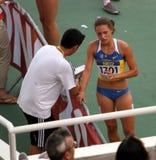 Olena Kolesnychenko après le fini de 400 mètres Photographie stock libre de droits
