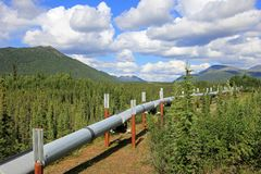 Oleodotto lungo Dalton Highway, conducente da Valdez, Fairbanks a Prudhoe Bay, Alaska, U.S.A. fotografia stock
