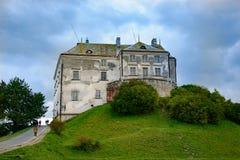 Olesk Lviv Oblast, Ukraina, Oktober 07, 2017: Sikt av den Olesky slotten arkivbild