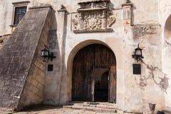 Olesko,乌克兰- 2017年5月02日:对历史的城堡的看法在Olesko,利沃夫州地区,乌克兰 免版税库存图片