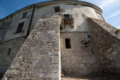 Olesko,乌克兰- 2017年5月02日:对历史的城堡的看法在Olesko,利沃夫州地区,乌克兰 图库摄影