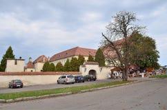 Olesko,利沃夫州地区, 2013年9月, 17日 XVIII世纪连斗帽女大衣修道院在Olesko,利沃夫州地区村庄  免版税库存照片