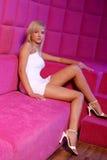 Olga dans une salle rose Images libres de droits