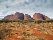Olgasen nära Uluru i Australien arkivfoto