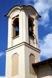 Olgiate-olona Italien das alte Wandterrassen-Kirchenfenster und Stockfoto