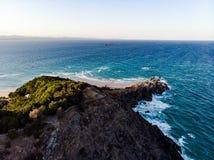 Olhando a baía do leste de Byron imagens de stock