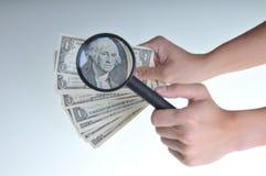 Olhando o dinheiro 2 Imagem de Stock