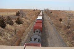 Olhando o trem imagens de stock