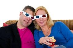 Olhando a televisão 3D Imagem de Stock Royalty Free