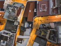 Olhao con due costruzioni del mercato da Ria Formosa, Algarve, Portogallo immagini stock libere da diritti