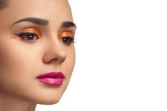 Olhar da alta-costura, retrato da mulher da beleza do close up Fotografia de Stock