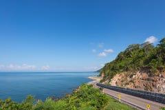 Olhar de Chalerm Burapha Chonlathit Highway do ponto de opinião de Noen Nangphaya Fotografia de Stock