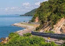 Olhar de Chalerm Burapha Chonlathit Highway do ponto de opinião de Noen Nangphaya Imagem de Stock