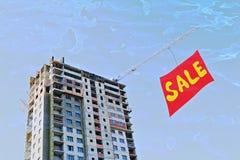 Olhar do comprador na venda lucrativa de bens imobiliários sob o constructi Fotografia de Stock Royalty Free