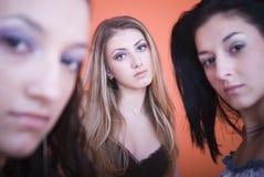 Olhar fixamente das mulheres Imagem de Stock Royalty Free