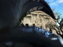 Olhe através da escultura Imagens de Stock Royalty Free