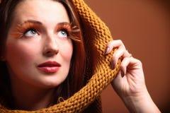 Olho-chicotes frescos do encanto da menina da mulher do outono Foto de Stock Royalty Free