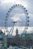 Olho de Londres e Ben Houses Of Parliament grande LONDRES, INGLATERRA Foto de Stock Royalty Free