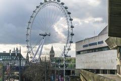 Olho de Londres e Ben Houses Of Parliament London grande Reino Unido Imagem de Stock