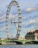 Olho de Londres e ponte de Westminster Imagem de Stock Royalty Free
