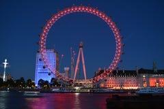 Olho de Londres na noite Fotografia de Stock Royalty Free
