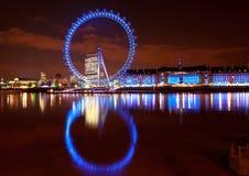 Olho de Londres. Paisagem do nighttime Imagem de Stock