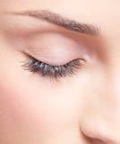 Olho fechado com sombras para os olhos Foto de Stock Royalty Free