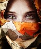 Olhos da mulher sensual do mistério bonito Imagem de Stock