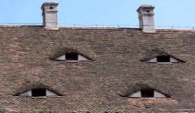 Olhos famosos Telhado com olho-como as janelas Foto de Stock Royalty Free
