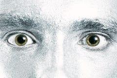 Olhos masculinos verdes com pupila dilatada foto de stock