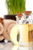 Oli essenziali della stazione termale in bottiglie Fotografia Stock