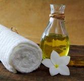 Oli för massage Arkivbilder