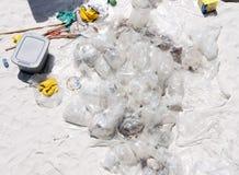 Olie die op Strand Pensacola wordt verzameld Royalty-vrije Stock Afbeeldingen