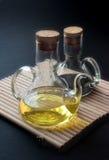 Olie en azijn stock afbeeldingen