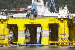 Olie en gasplatform in Noorwegen De energieindustrie aardolie Royalty-vrije Stock Afbeelding