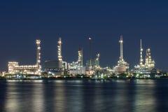 Olie en gasraffinaderij petrochemische fabriek Stock Afbeelding