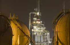 Olie-raffinaderij-installatie royalty-vrije stock afbeeldingen