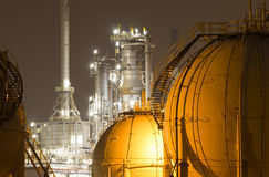 Olie-raffinaderij installatie Stock Foto