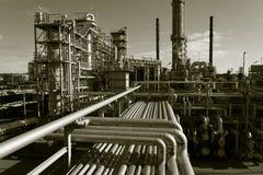 Olie-raffinaderij mening van hierboven royalty-vrije stock afbeelding