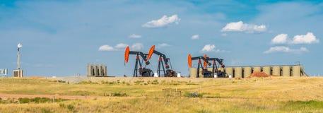 Oliebronnen stock fotografie