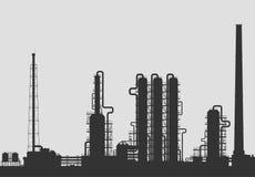 Olieraffinaderij of chemisch installatiesilhouet Stock Afbeeldingen