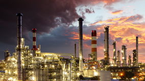 Olieraffinaderij - Industrie, tijdtijdspanne stock footage