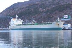Olietanker in haven stock fotografie