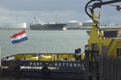 Olietanker in haven Stock Afbeelding