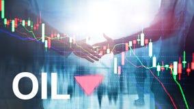 Olietendens neer De grafiekolievaten van de kaarsgrafiek en een financi?le grafiek op abstracte bedrijfsachtergrond prijsolie nee stock foto's
