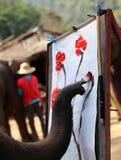 Olifant het schilderen in chiangmai, Thailand Royalty-vrije Stock Foto's
